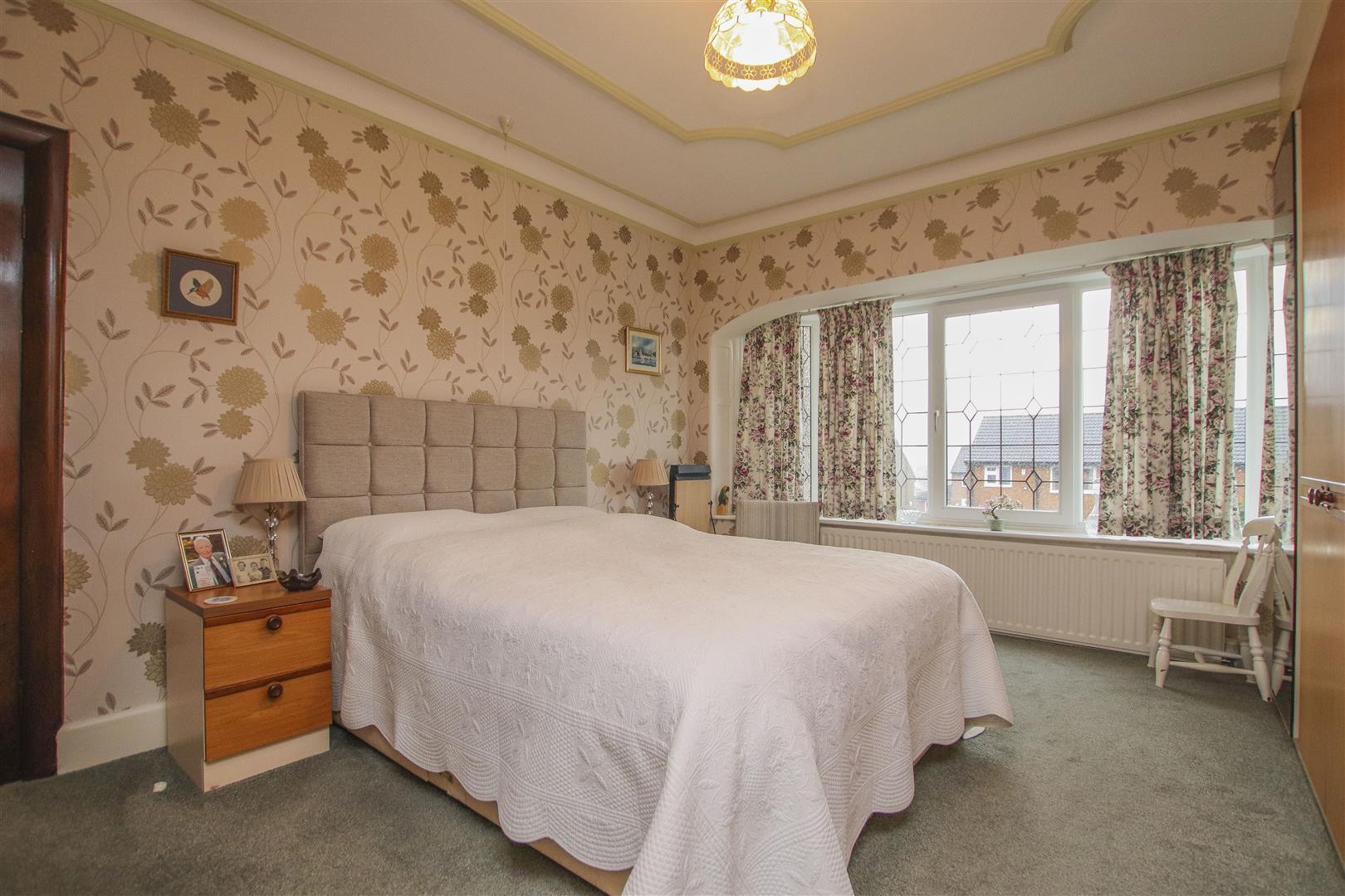 4 Bedroom Detached House For Sale - 6.JPG